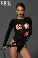 Body voile Cross : Body fetish en voile opaque, ouvert sur les seins et dans le dos, avec un anneau O-ring qui encercle les tétons.